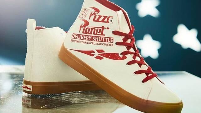 Toy Story: Presentadas las fabulosas zapatillas de Pizza Planet
