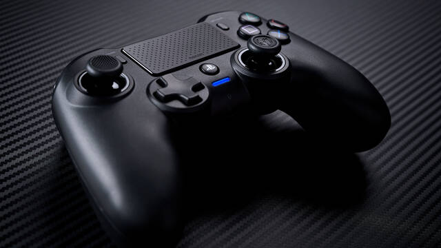 Nacon presenta su nuevo mando Asymmetric Wireless Controller para PS4 y PC