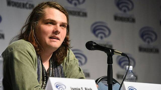 Netflix declara su amor por Gerard Way, autor de 'The Umbrella Academy'