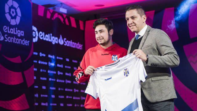 El CD Tenerife presenta a su jugador para la eLaLiga Santander de esports
