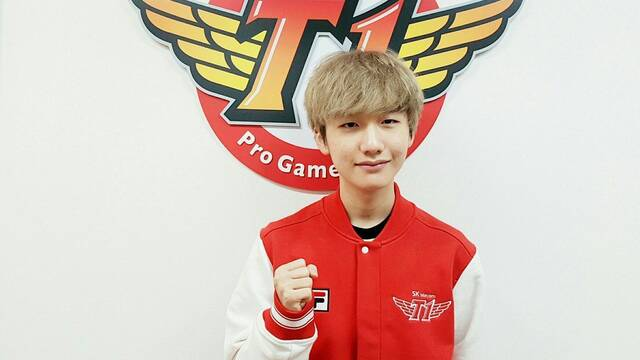 Peanut, de SK Telecom T1, comienza a hacer un drunk stream y su entrenador corre desde su casa para pararlo