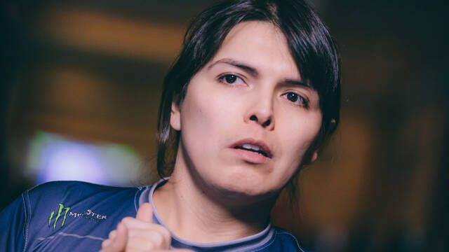 Ricki Ortiz habla en la BBC sobre ser una mujer transgénero en la comunidad de los juegos de lucha