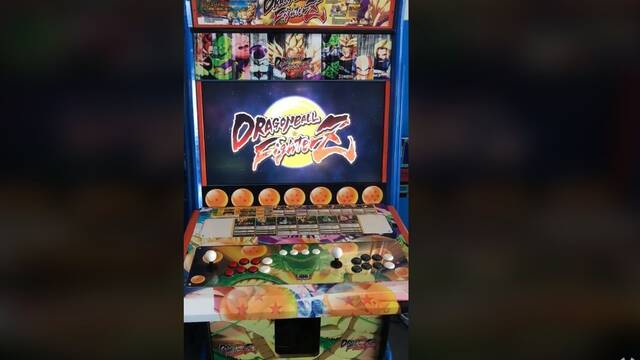 Así es la máquina recreativa de Dragon Ball FighterZ
