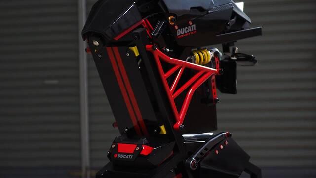 Este PC con forma de Ducati Monster es alucinante