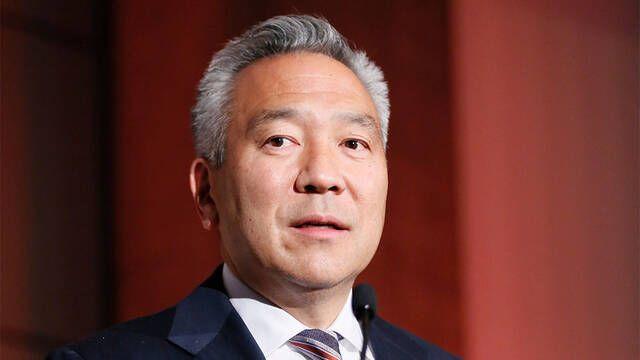 El CEO de Warner Bros., Kevin Tsujihara, abandona la compañía
