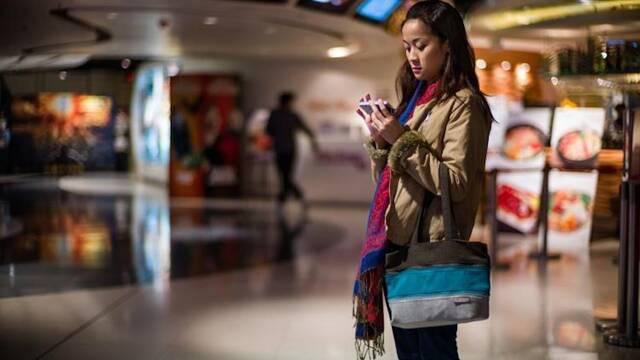 China abre su primer cine y el público no acude por miedo al coronavirus