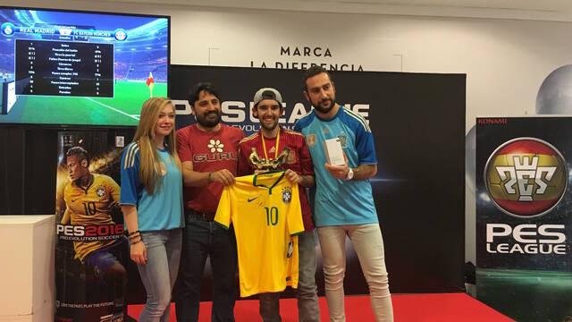 El sevillano Pablo Ruiz Diaz se proclama campeón español de PES 2016