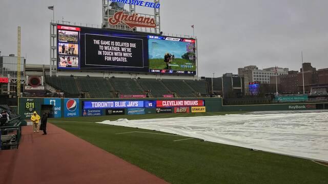 Los Cleveland Indians entretienen a los espectadores de su partido de béisbol jugando a Fortnite
