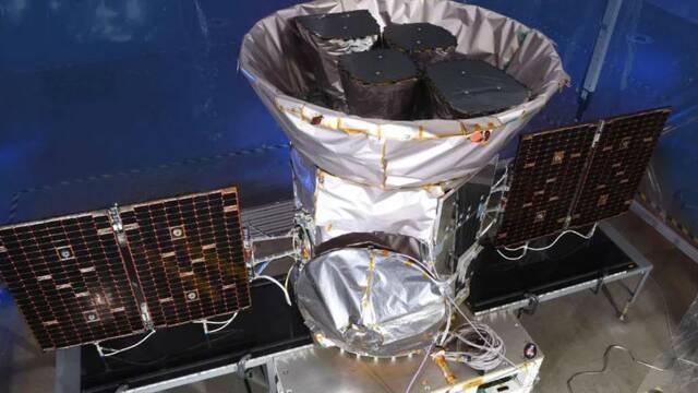 NASA y SpaceX se unen para lanzar un satélite en busca de planetas