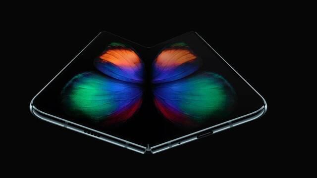 Samsung retrasa el lanzamiento del Galaxy Fold, su móvil plegable