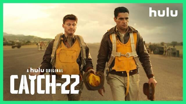 Llega el satírico tráiler de 'Catch-22', con George Clooney y Hugh Laurie