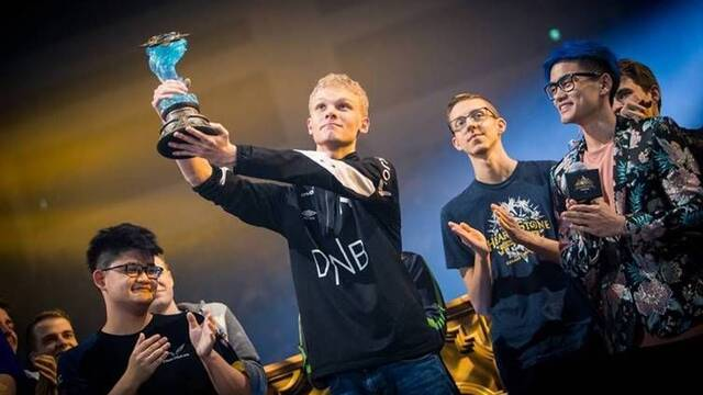 Hunterace gana el Hearthstone World Championship 2019
