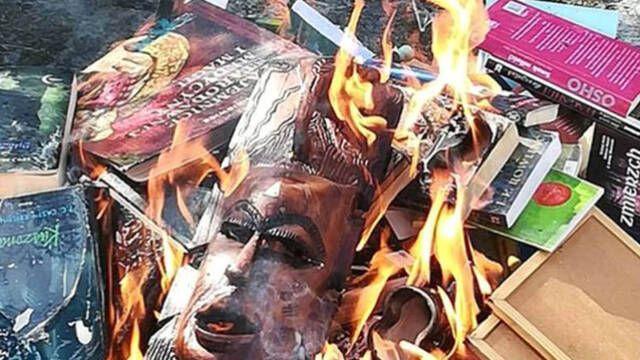 Sacerdotes polacos queman libros de 'Harry Potter'