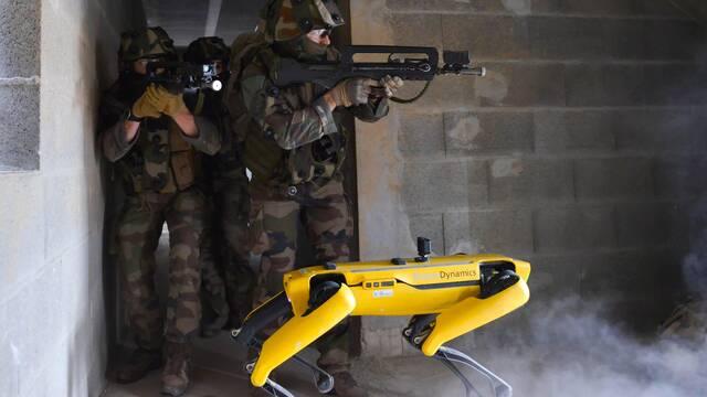 Máquina de guerra: Este robot trabaja con el ejército francés en pruebas de combate