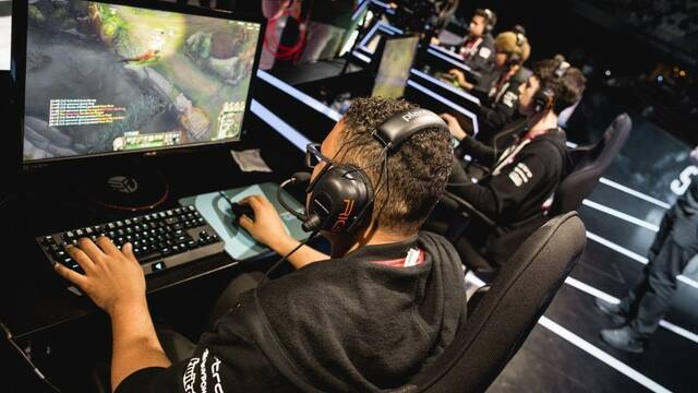 MSI: Royal Never Give Up cae derrotado por primera vez en la jornada 4