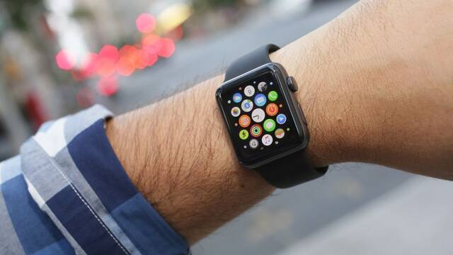 Salva la vida gracias a un aviso de su Apple Watch