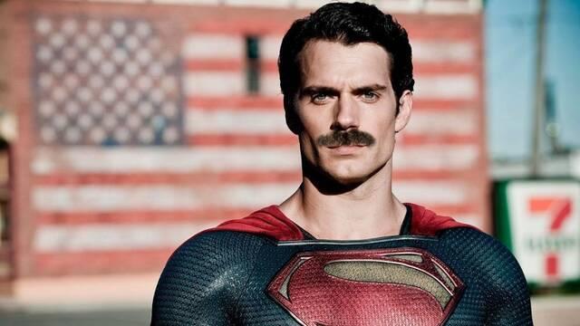 Henry Cavill habla de la eliminación de su bigote en Liga de la Justicia