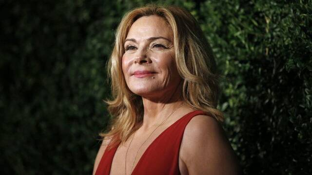 Kim Cattrall protagonizará Tell me a story, un thriller de cuentos de hadas