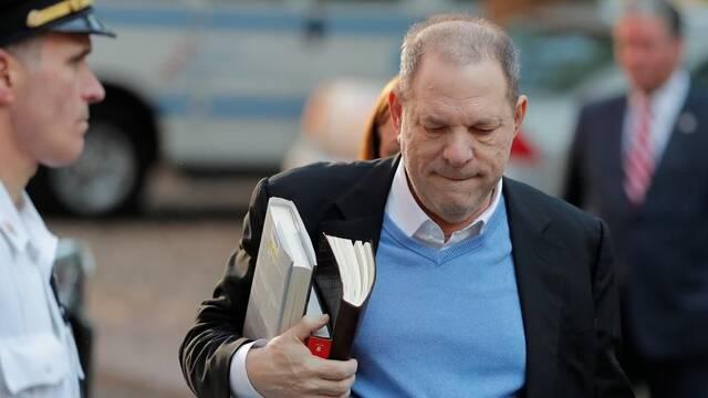 Harvey Weinstein se entrega a las autoridades policiales de Nueva York