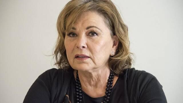 Cancelada la serie 'Roseanne' por los comentarios racistas de Roseanne Barr