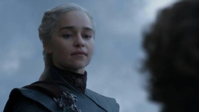 Emilia Clarke se basó en discursos de Hitler para interpretar a Daenerys