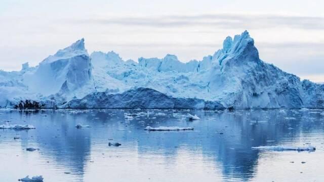 A-76, el iceberg más grande del mundo, se desprende de la Antártida