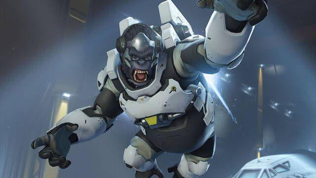 Selfless incorpora a un equipo de Overwatch