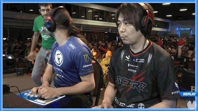 Un espontáneo invade el escenario de una competición de Street Fighter V