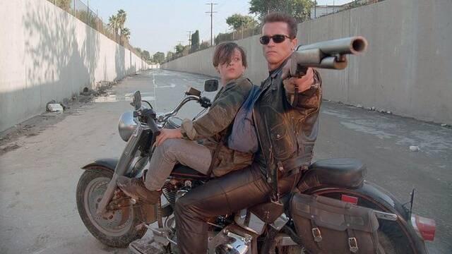 Primer vistazo a los jóvenes John Connor y T-800 de Terminator 6