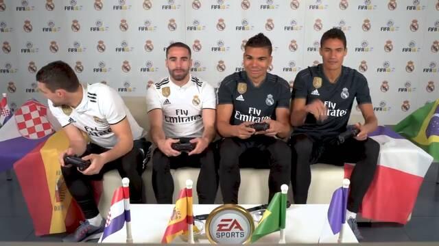 Los jugadores del Real Madrid disputan un entretenido partido de FIFA 18