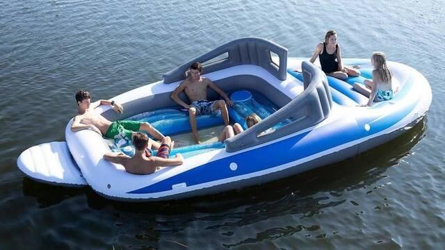 Así es el yate 'económico' para los que queremos unas vacaciones en el mar