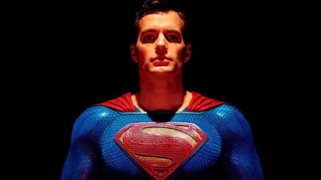 Henry Cavill quiere ser Superman 'durante muchos años'