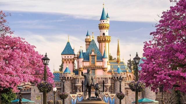 Los empleados de DisneyWorld y Disneyland se quejan de la reapertura