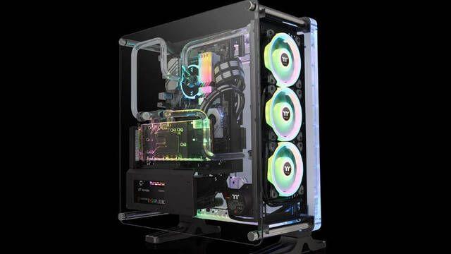 Thermaltake presenta su caja con refrigeración líquida integrada: DistroCase 350P