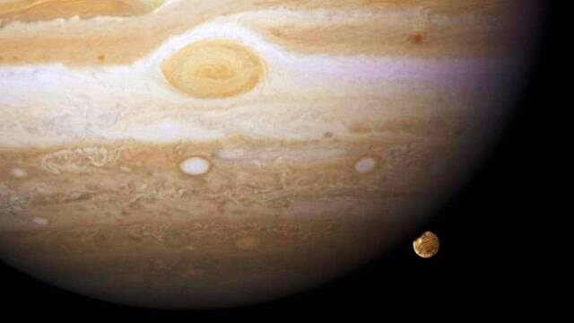 La NASA publica las fotografías de la enorme luna Ganímedes