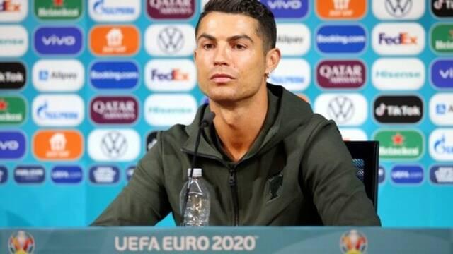 Cristiano Ronaldo 'desprecia' la Coca-Cola y la empresa cae en bolsa miles de millones