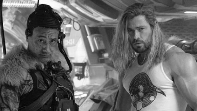 Thor: Love and Thunder finaliza su rodaje y Chris Hemsworth lo celebra con esta foto