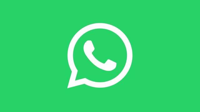 Los moderadores de WhatsApp en español piden igualdad de salario en una carta interna