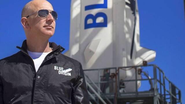 Jeff Bezos irá al espacio en el primer vuelo tripulado de Blue Origin