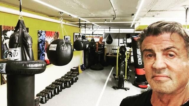 Sylvester Stallone demuestra que está en forma a sus 74 años con este duro entrenamiento