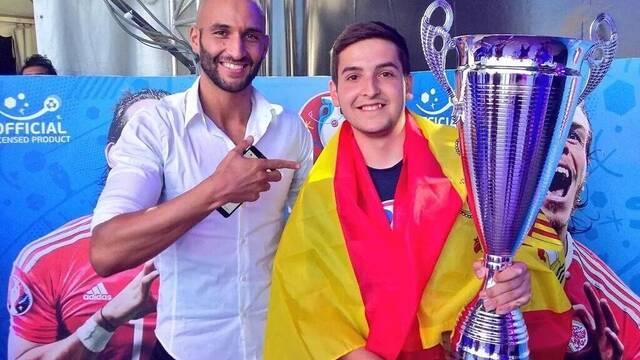 Alejandro Alguacil, el jugador español que ha conquistado Europa en PES 2016