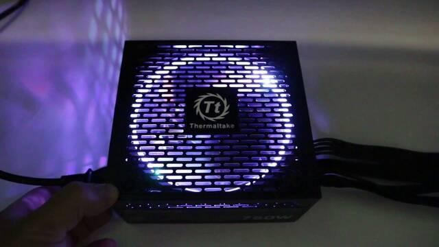 Thermaltake Smart RGB, las fuentes de alimentación también son luminosas