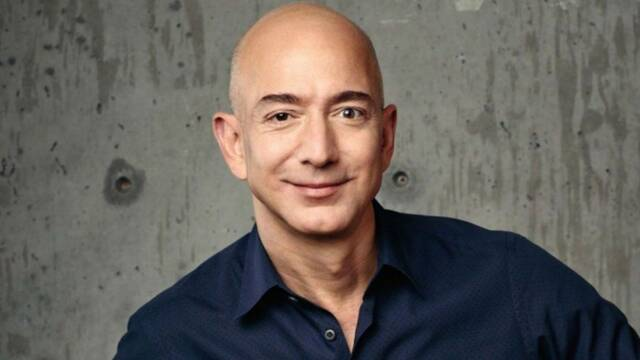 Jeff Bezos, dueño de Amazon, supera a Bill Gates como más rico del mundo