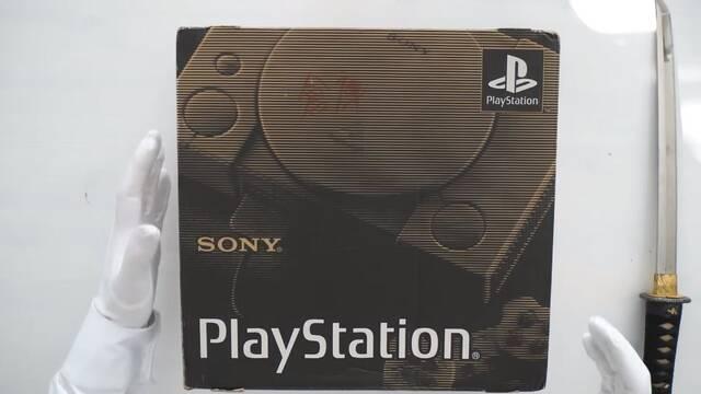 Retro unboxing del primer modelo de PlayStation lanzado en 1994
