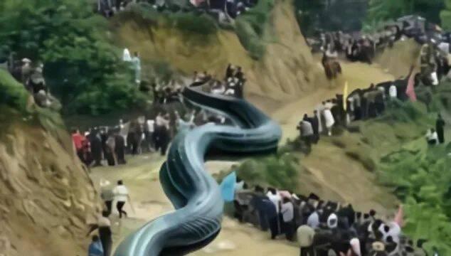 Crea un montaje insinuando que un dragón provocó un terremoto y lo arrestan