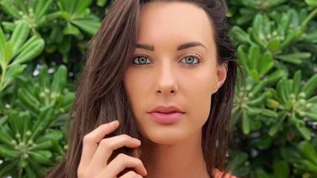Muere la youtuber Emily Hartridge por un accidente en patinete eléctrico