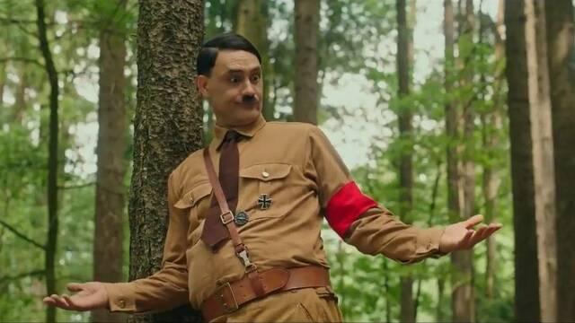 Taika Waititi es un divertido Hitler en el tráiler de Jojo Rabbit