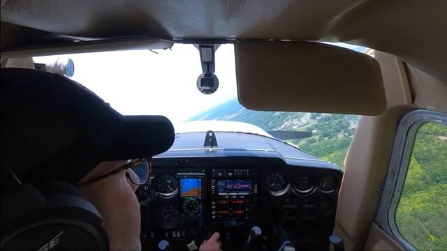 Un piloto se queda sin motor en pleno vuelo y tiene que aterrizar de emergencia