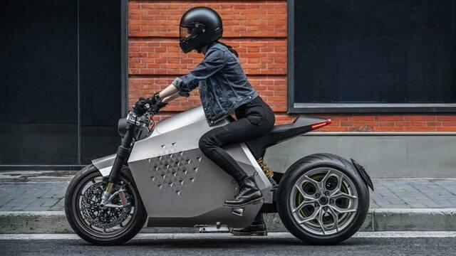 Davinci DC100 es la moto eléctrica 'smart' que todos los fans de 'Cyberpunk 2077' querrán