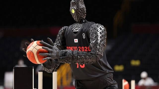 Toyota CUE, el robot que llega para competir con los jugadores de la NBA